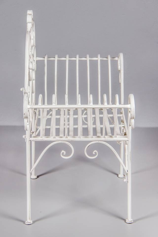 Chair with Armrest: Antique White
