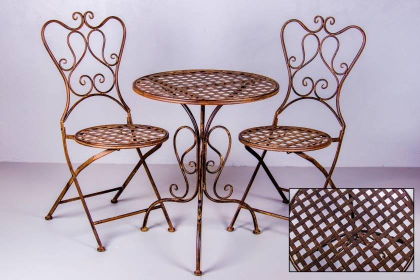 Table: Round Weave: Rust