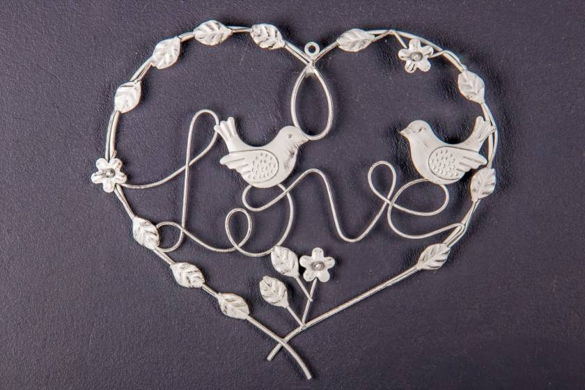Wall Decor: Heart: Antique White