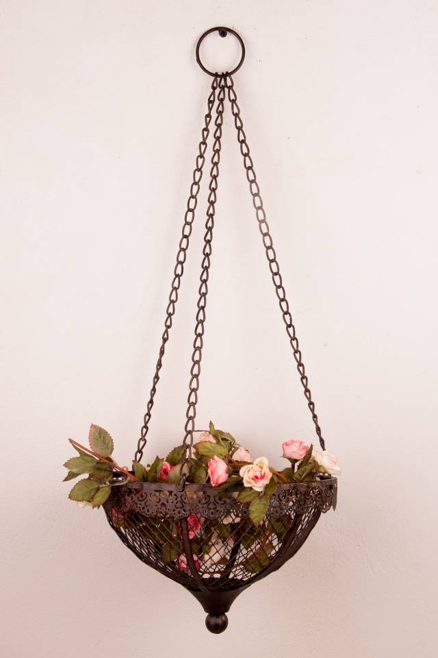 Hanging Basket: Lace Trimming: Rust